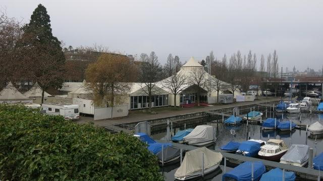 Der Platz beim Bootshafen in Luzern - heute steht ein Veranstaltungszelt darauf.
