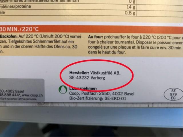 Nahaufnahme Produkteinformationen auf Verpackung.
