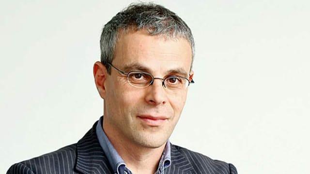 Ein Porträt von Laurent Goetschel.