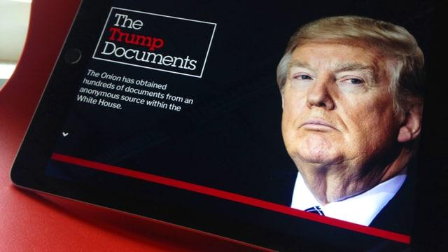 Ein Bild von Präsident Trump auf einem Tablet.