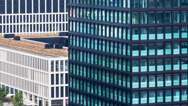 Blick auf moderne Bauten.