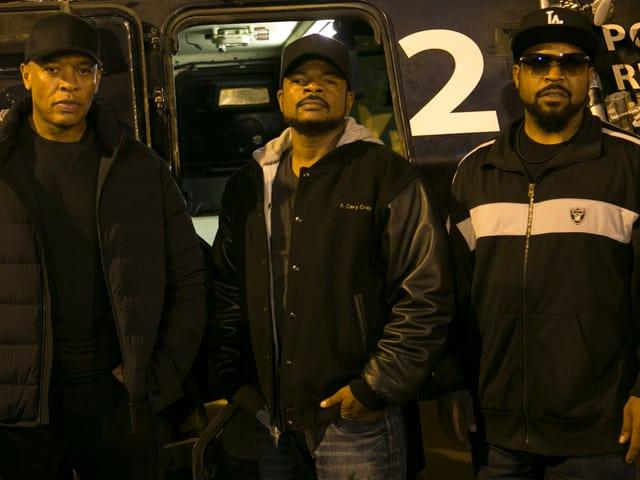Regisseur F. Gary Gray umrahmt von seinen beiden Produzenten: Dr. Dre und Ice Cube.