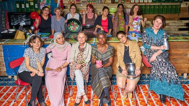 13 Frauen aus 10 verschiedenen Ländern werden im Luzerner Theater Geschichten erzählen und kochen.