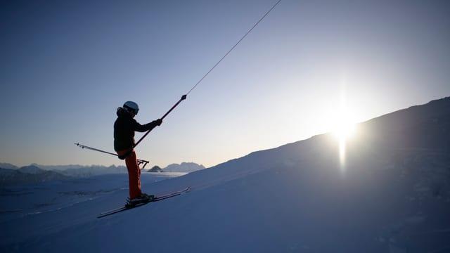 In skiunz vid in runal da skis.