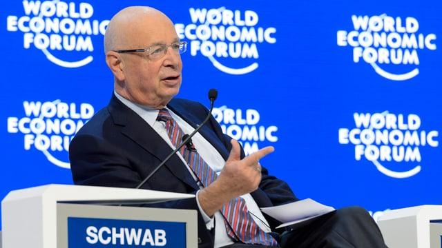 Klaus Schwab, il fundatur dal WEF, durant ses pled final dal WEF 2016.