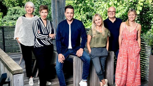 Sven Epiney mit den fünf Kandidaten der nächsten Sendung
