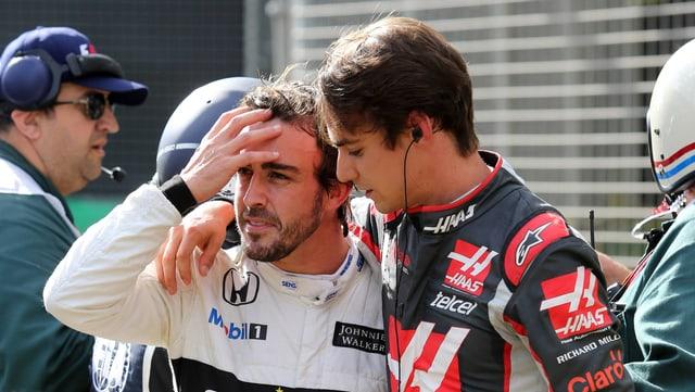Alonso nach dem Crash zusammen mit Gutierrez.