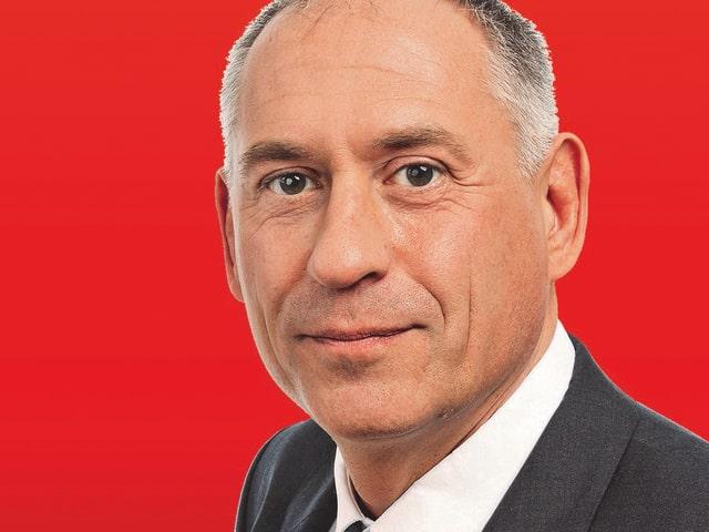 Porträt von Bau- und Verkehrsdirektor Hans-Peter Wessels (SP)