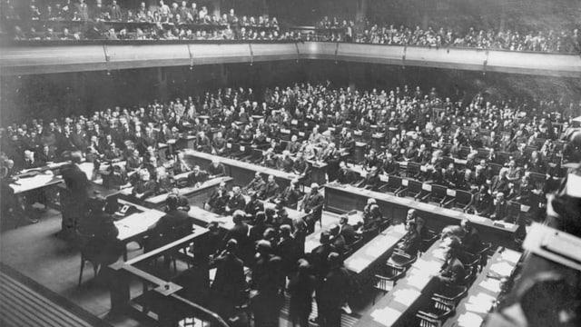 Delegierte aus aller Welt im Saal des Völkerbundrates im März 1926.