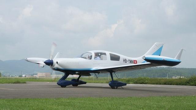 Flugzeug im Birrfeld