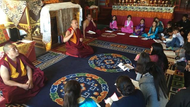 Unterricht für Tibeterkinder.