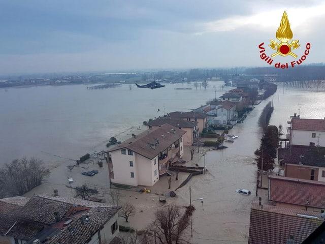 Überschwemmter Strassenzug