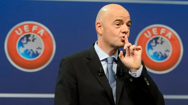 Gianni Infantino il schef da la FIFA, qua sco secretari general da l'UEFA.