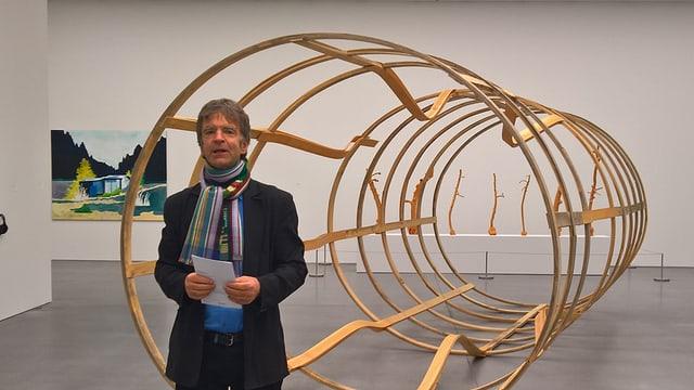 Il co-directur dal museum d'art dal Grischun Stephan Kunz.