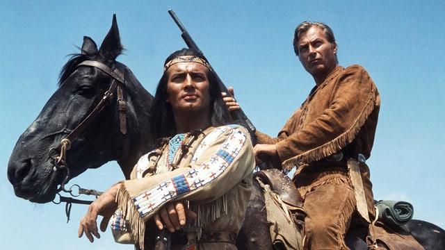 """Szene aus dem Film """"Winnetou"""": Pierre Brice als Winnetou und Lex Barker als Old Shatterhand."""