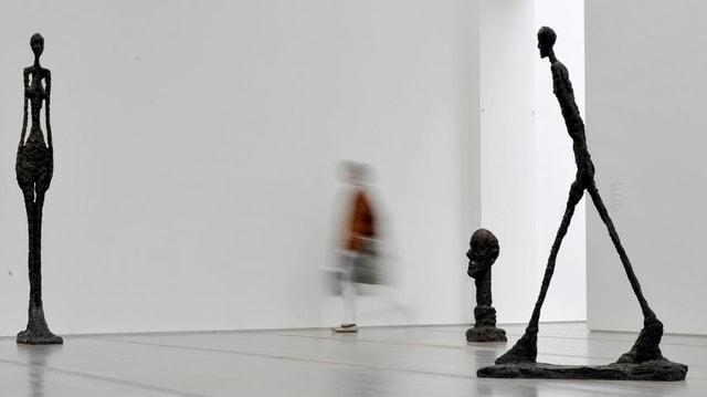 Ovras dad Alberto Giacometti: 'Grande Femme III', 'Grande Tête' e 'Homme qui marche II'.