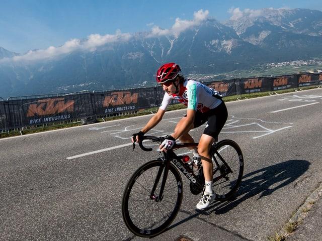 Nicole Hanselmann bei einem Radrennen