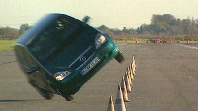 Mercedes A-Klasse kippt beim Elchtest