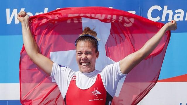 Jeannine Gmelin bei der Medaillenzeremonie.