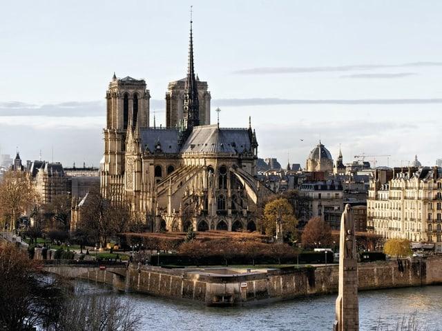 vista da lunsch da la catedrala.