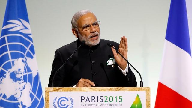 Der indische Premierminister Narendra Modi spricht am Pariser Klimagipfel.