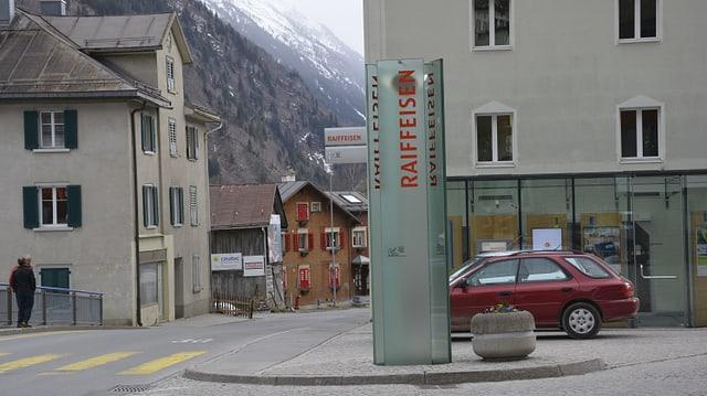 La sedia principala da la banca Raiffeisen Cadi a Mustér.