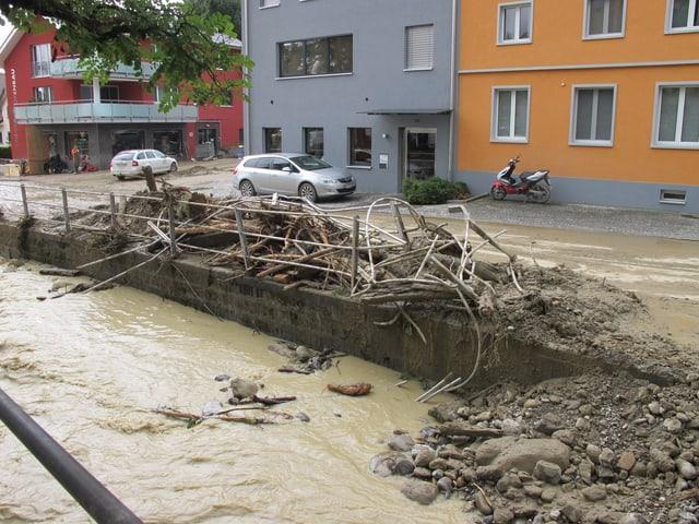 Verwüstung nach Überschwemmung