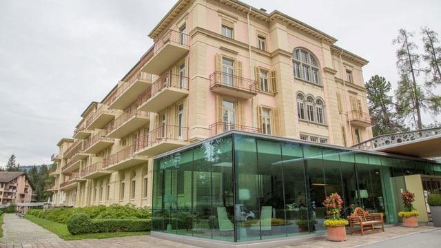 Il hotel Waldhaus a Flem.
