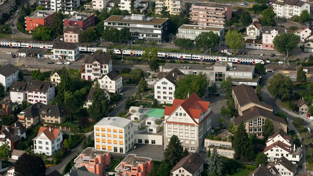 La staziun da viafier da Rüschlikon en il chantun Turitg.