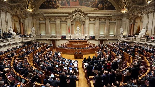 Vista en il parlament portugais.