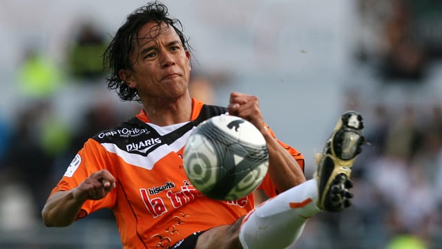 Marama Vahirua im Dress des FC Lorient (2010).