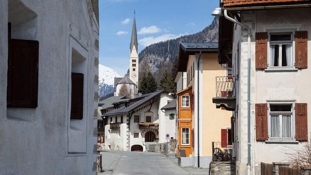 Dorf Zernez