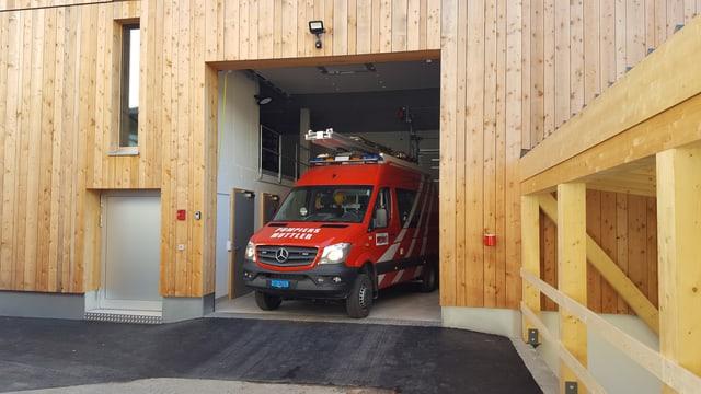 L'entrada dal nov local da pumpiers Valsot