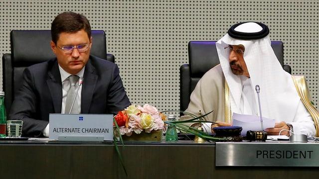 Alexander Nowak und Khalid al-Falih bei der Opec-Konferenz.