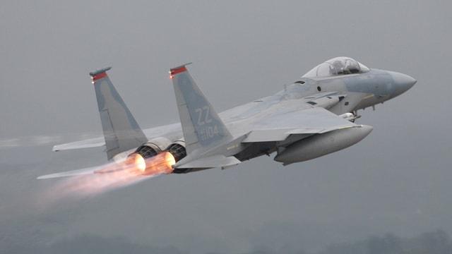 Ein F-15 beim Start