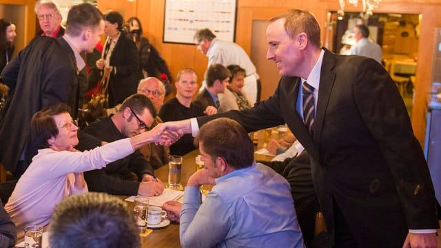 Markus Hürlimann an der SVP-Mitgliederversammlung am Donnerstag Abend in Walchwil.