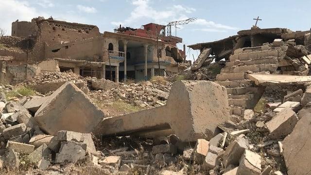 Trümmer von zerstörten Gebäuden