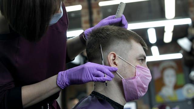 Friseurin in Moskau