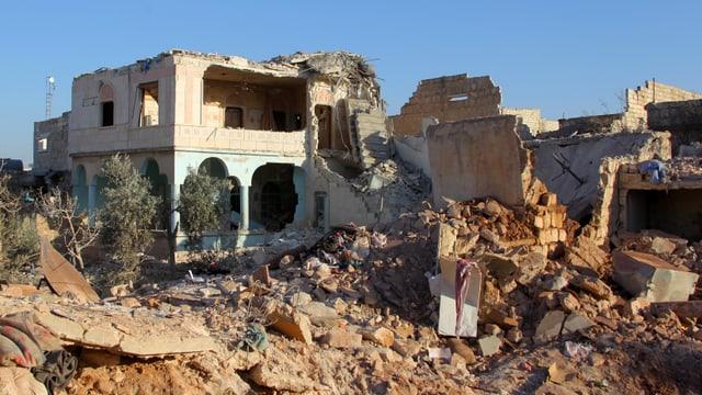 Bajetgs destruids en la citad siriana Aleppo