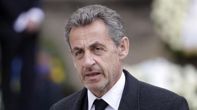 Purtret da Nicolas Sarkozy.