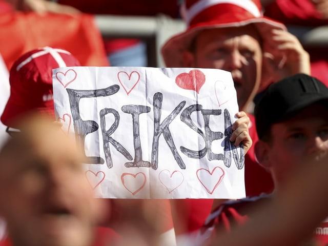 Zettel mit Herzen und dem Namen Eriksen