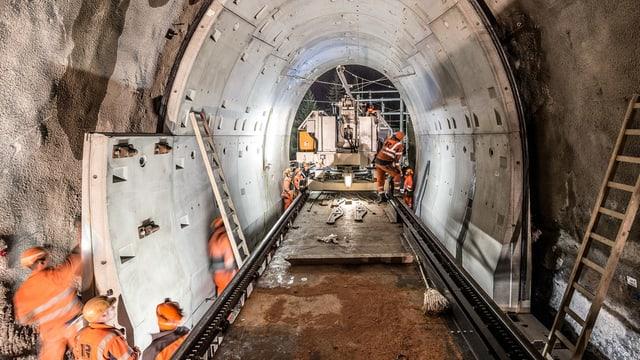 Il tunnel da Mistail vegn renovà tenor la medema metoda sco il Tunnel da Glatscheras (foto) a Bravuogn.