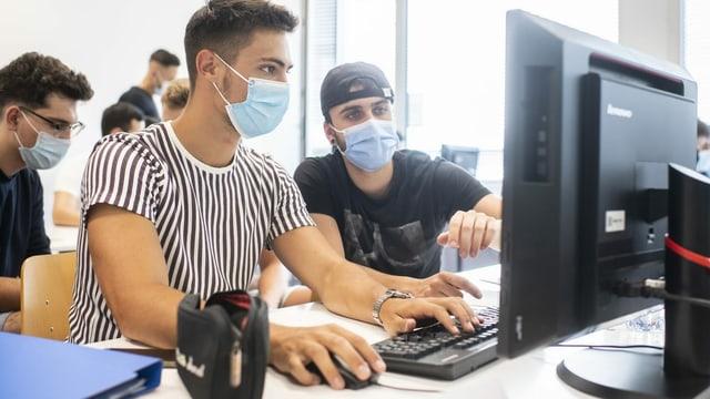 Auch an Universitäten und Schulen herrscht vielerorts Maskenpflicht.