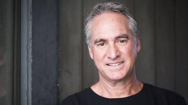 Portraitaufnahme des Futuristen Ted Schilowitz.