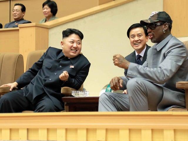 Kim Jong Un und Dennis Rodman diskutieren