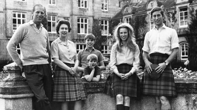 Prinz Philip, Queen Elizabeth, Edward, Andrew, Anne und Charles (von links),