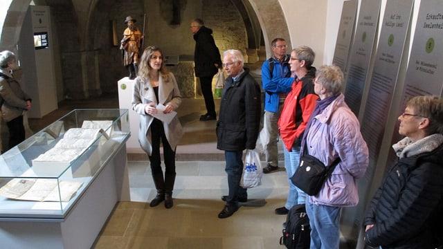 Religionswissenschafterin Bettina Bussinger führte durch das Museum zu Allerheiligen.