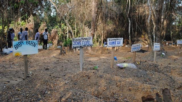Gräber von Ebola-Opfern in Liberia