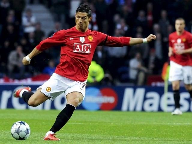 Cristiano Ronaldo nimmt 2009 gegen Porto Mass.
