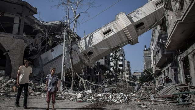 Ein kollabiertes Minarett in Gaza City